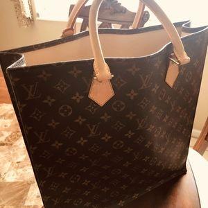 Louis Vuitton Authentic sac plat